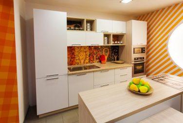 Белая кухня Фарфалле