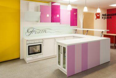 Белая кухня Келли