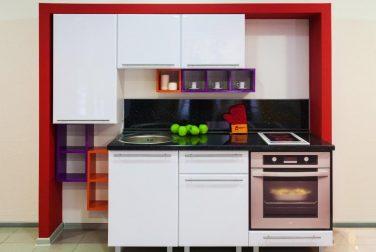 Белая кухня Искра
