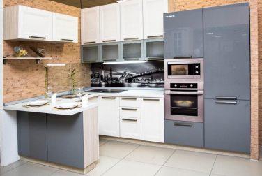 Белая кухня Лукреция